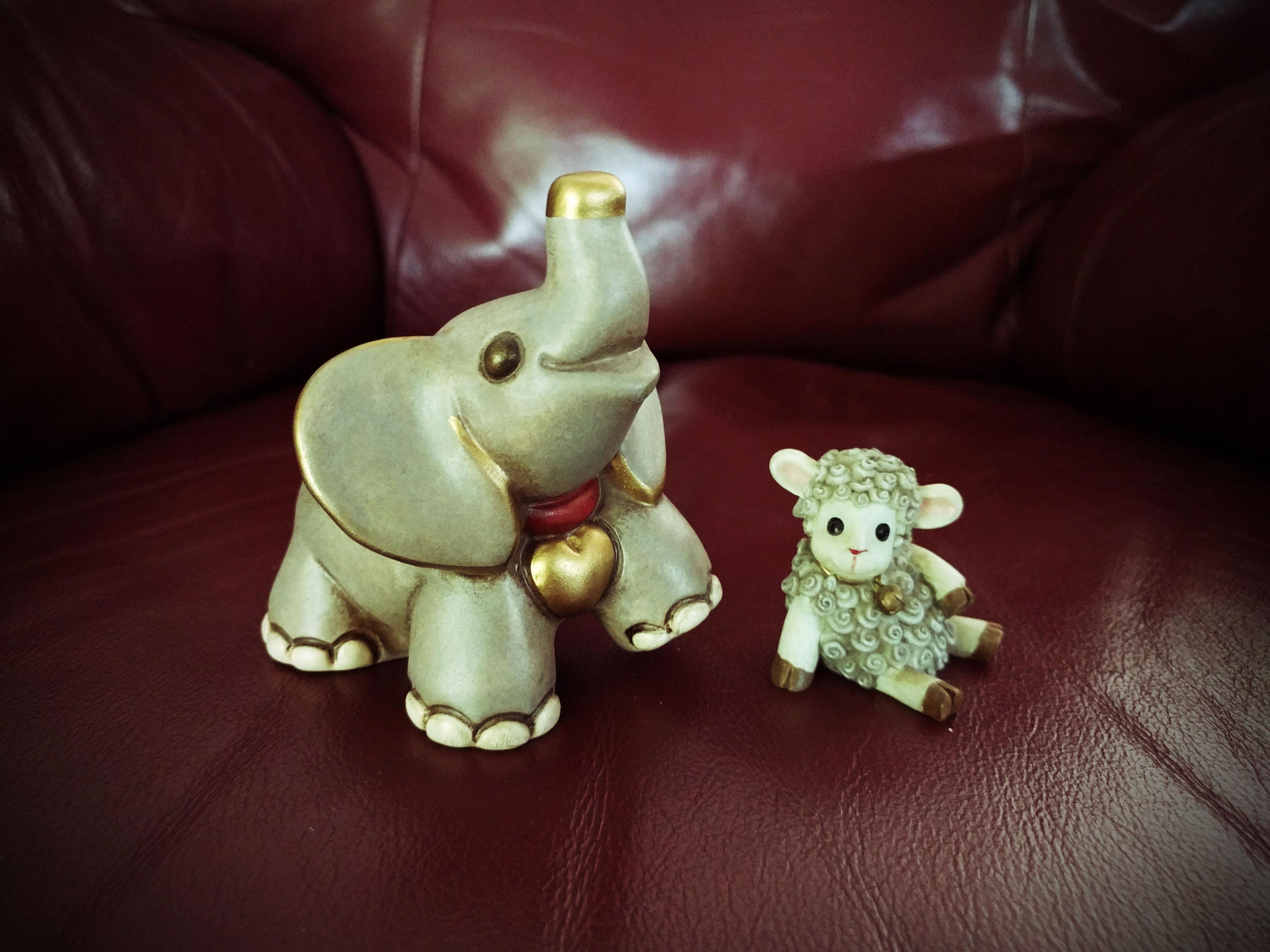 2016-2-elephant-and-lamb-1